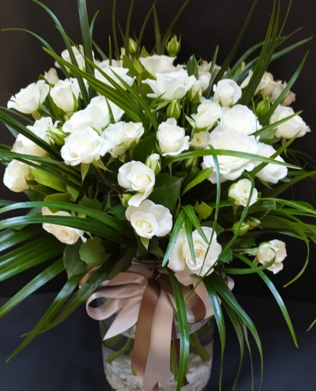 Beyaz Çardak Güller